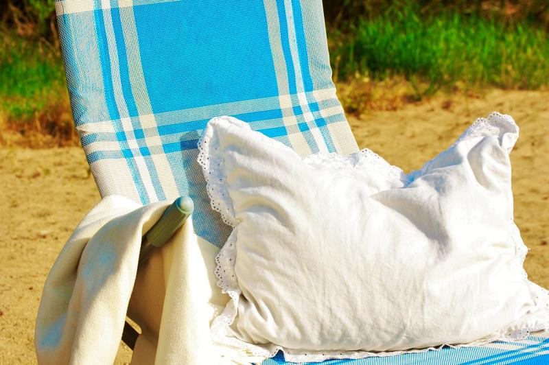 Odpočinek na soukromé pláži penzionu přímo u Lipna